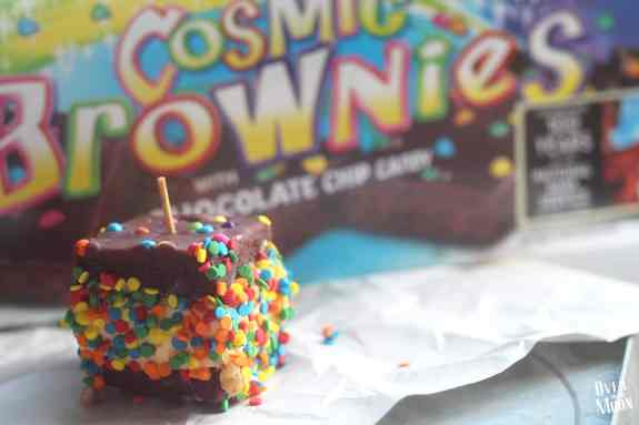 Brownie Ice Cream Sandwiches - these are such a fun summer treat that I loved as a kid! Use store bought brownies to make them no bake! From www.overthebigmoon.com!