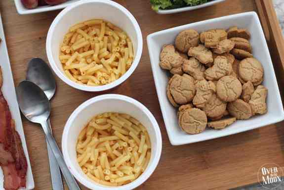 Sides to Serve Kids with Macaroni and Cheese | www.overthebigmoon.com