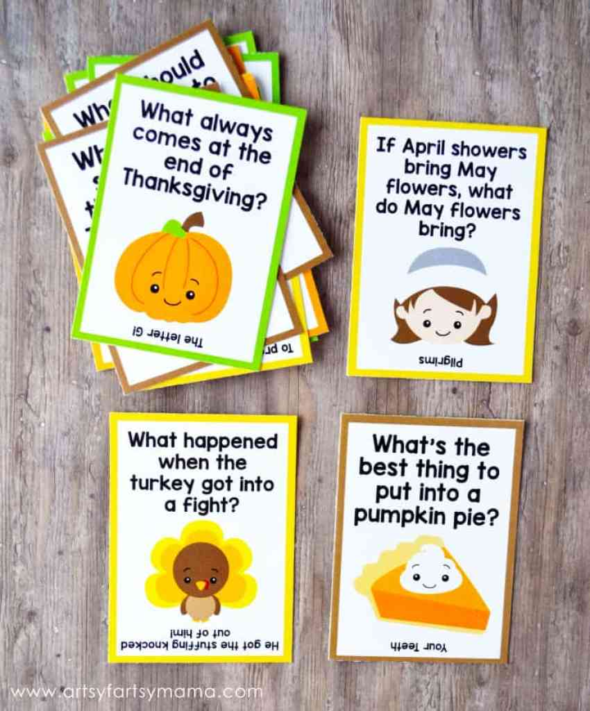 Thanksgiving Joke Cards that you can print and add to lunches.