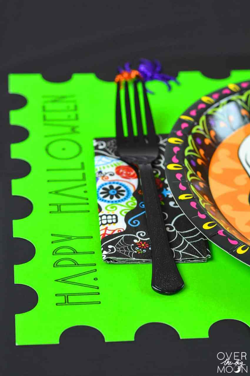 DIY Halloween Poster Board Placemats - from www.overthebigmoon.com