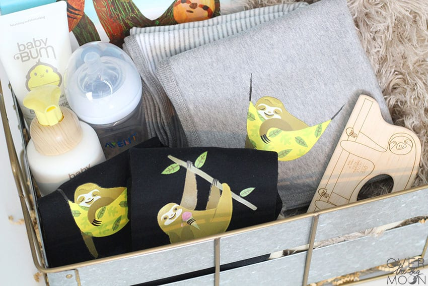 Customized Sloth Baby Gift Basket - such an adorable theme! Love it! From overthebigmoon.com!