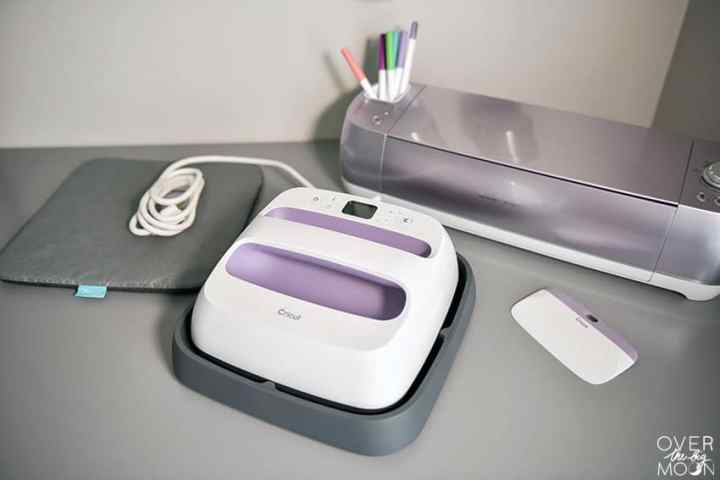 Cricut Wisteria Explore Air 2 and Cricut Wisteria EasyPress exclusive to JOANN stores! From overthebigmoon.com!