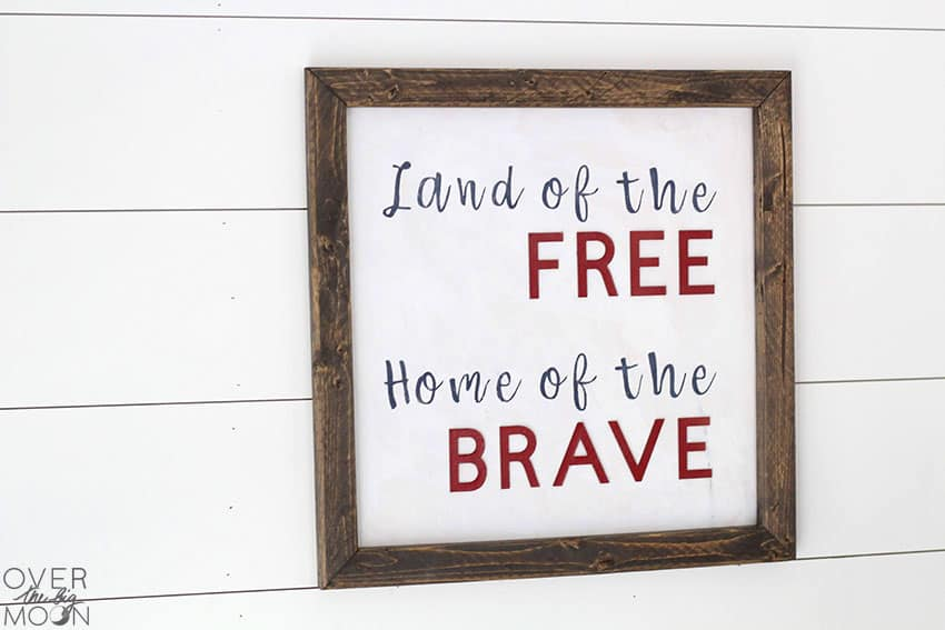 4th of July Farmhouse Sign from overthebigmoon.com!