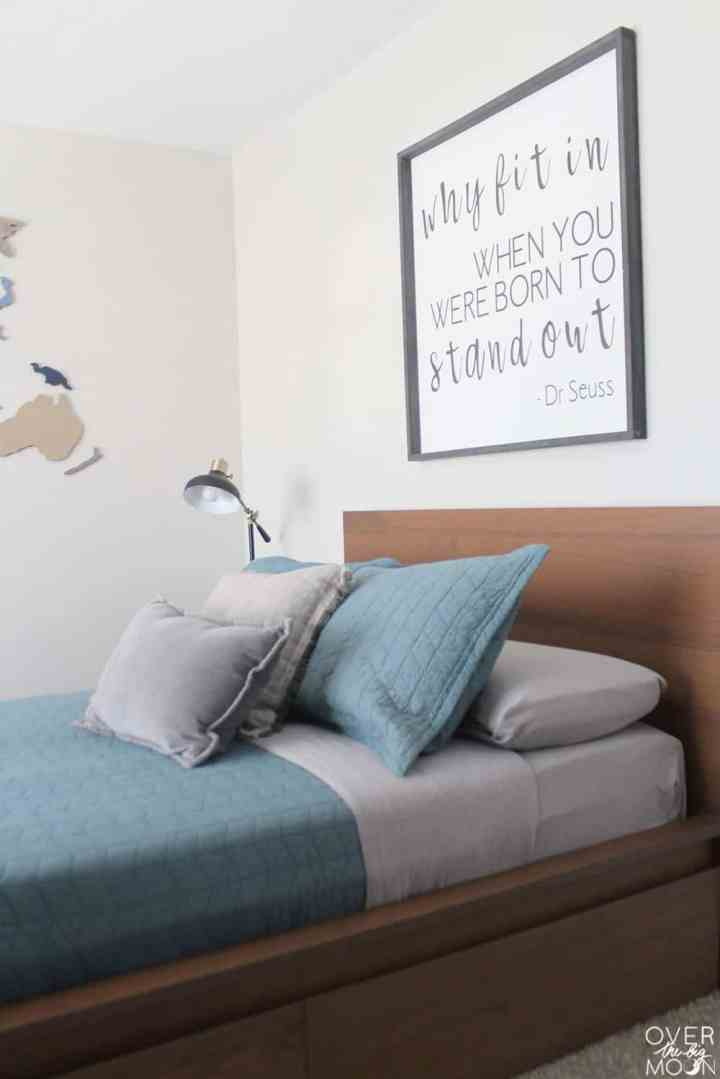 Super easy ways to update a bedroom! From overthebigmoon.com!