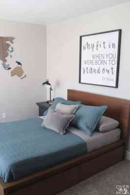 A simple kids room refresh that is easy and can be done on a budget! From overthebigmoon.com!