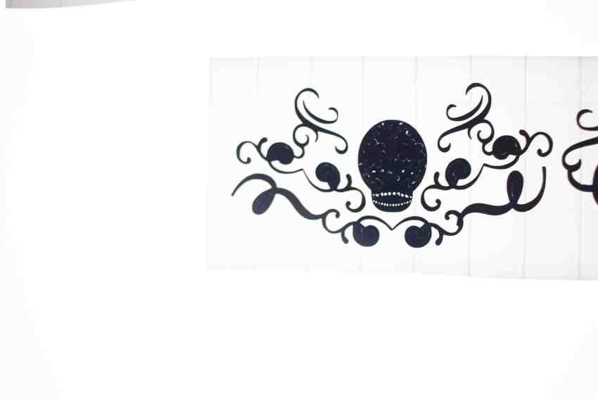 Weeding Black Vinyl on the Cricut BrightPad | overthebigmoon.com