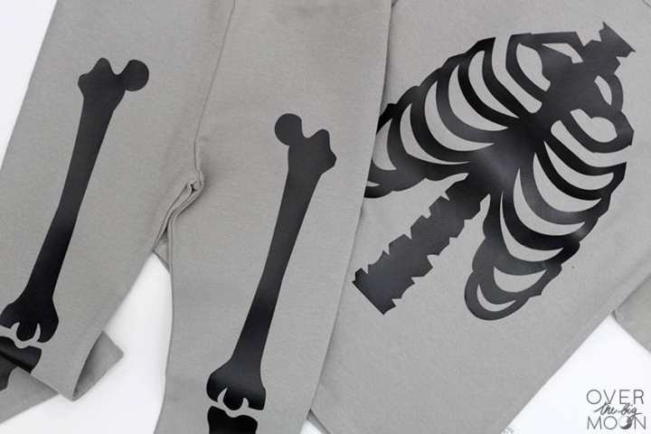 These DIY Skeleton PJ's are perfect for your littles to wear during Halloween time! From overthebigmoon.com!