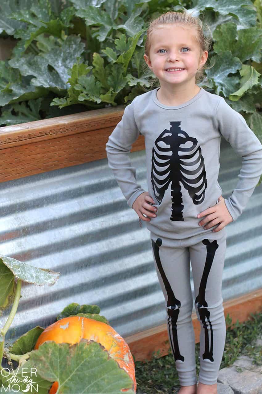 DIY Skeleton Pajamas! From overthebigmoon.com!