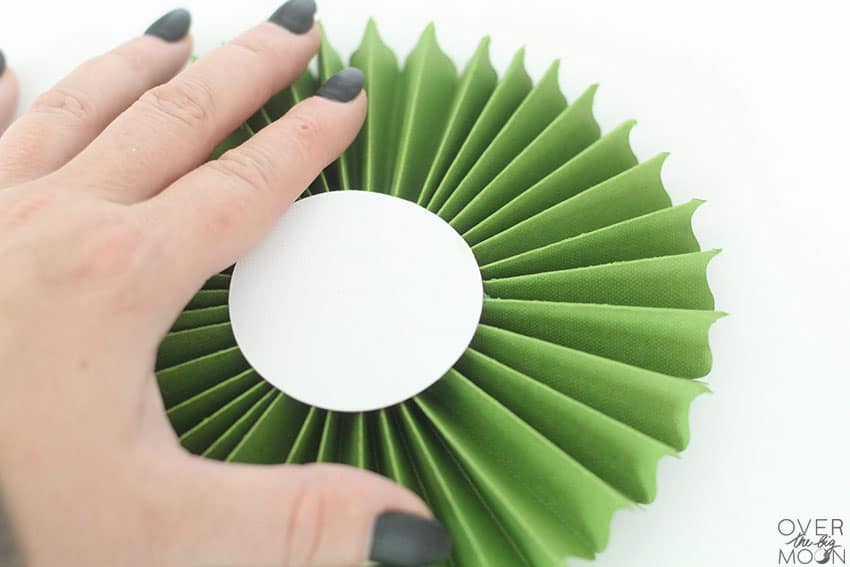 Rosette assembly tutorial from overthebigmoon.com!