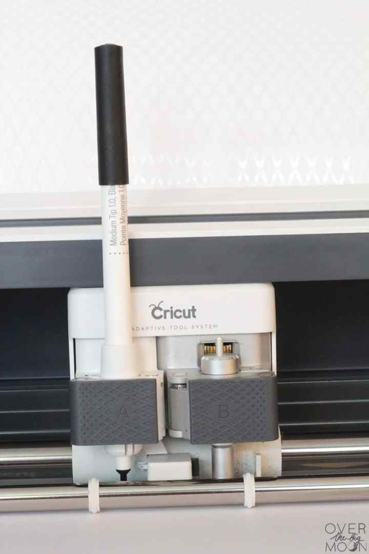 Cricut Pen loaded in the Cricut Maker!