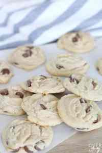 Come learn how to make the BEST Chocolate Chip Cookie recipe! From overthebigmoon.com!