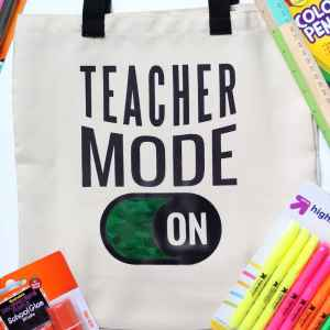 DIY Teacher Bags - Back to School Gift with Cricut