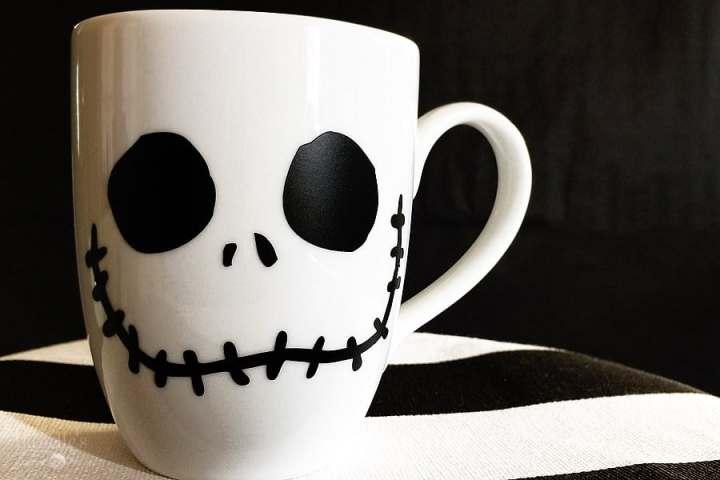 Mug customized with a Jack Vinyl.