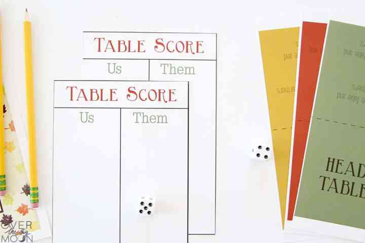 Printed Table Score Cards and Table Cards in yellow, red and green.