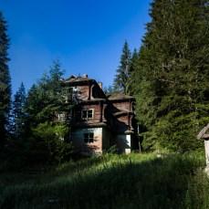Im Land findet man auch immer wieder wundervolle Gebäude,
