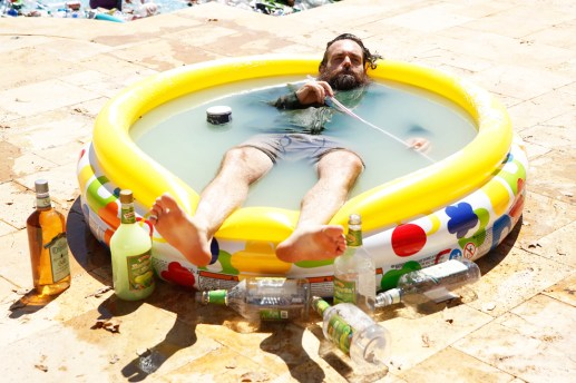 The Last Man on Earth - Phil Miller in his Tequila pool - DR