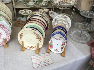 Make your own vintage plate stand at Cambridge Market
