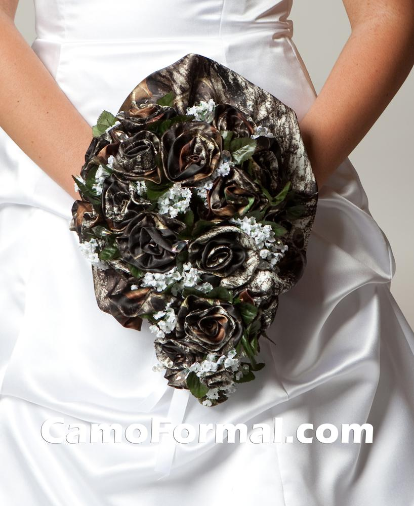 Camo Wedding Dress Is Not So Hard To Spot