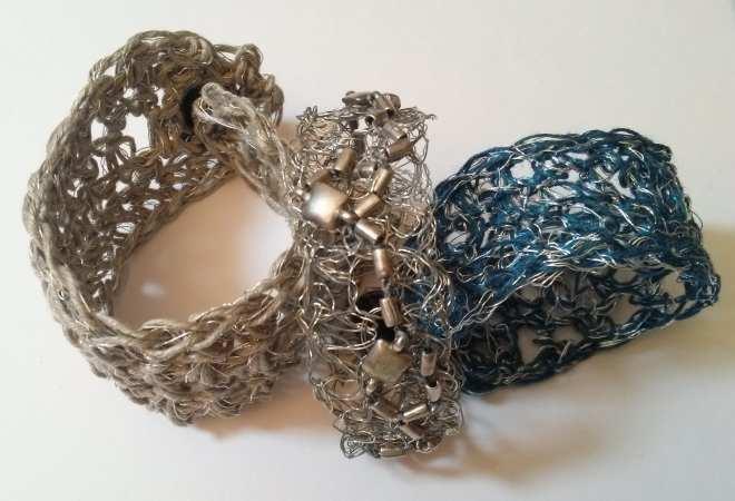 bracelets crocheté, brodés métal et fils divers