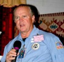 "Ex-gerente da NASA declara: ""Existe cidade alienígena na Lua!"" 1"