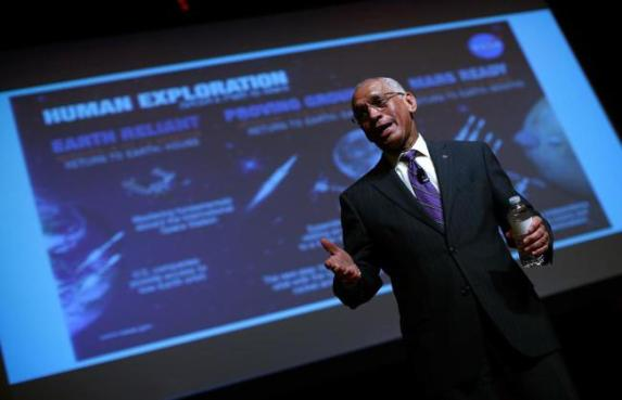 Charles Bolden, administrador da NASA.
