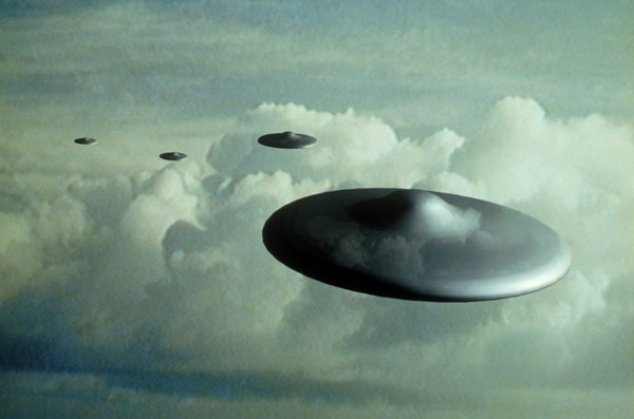 """Novembro de 1979: OVNIs / UFOs """"atormentam"""" piloto espanhol"""