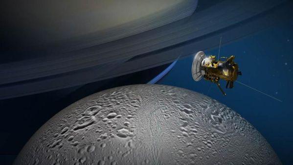 Concepção artística da sonda Cassini sobrevoando Encélado