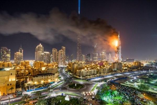 Outra vista do incêndio em Dubai