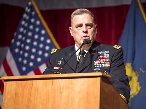 """General dos EUA: """"virão exércitos de híbridos e extraterrestres"""""""