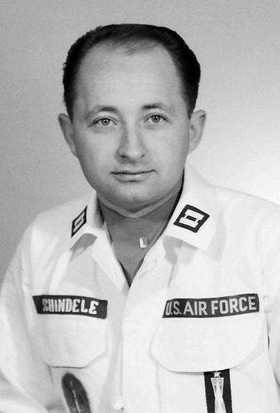 Capitão David D. Schindele - operador de míssil nuclear
