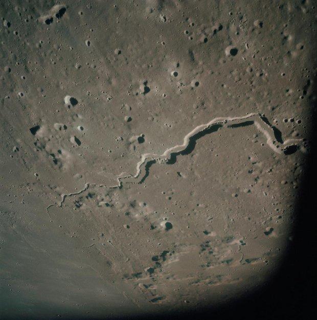 escondido no lado oculto da Lua