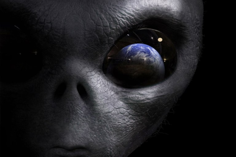 Os alienígenas estão aqui