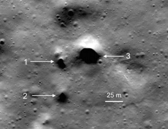 Misteriosas entradas de túneis são encontradas na Lua