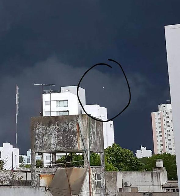 Apresentador argentino tira foto de OVNI numa tormenta