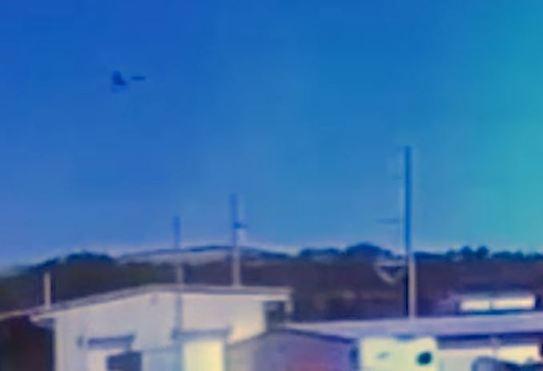 INTERESSANTE: Estranho OVNI parece cair onde avião militar havia acabado de cair 2