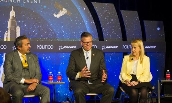 Políticos pedem audiência sobre OVNIs ao Congresso dos EUA