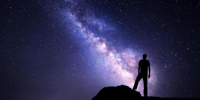 A física 'assustadoramente infinita' de mundos possíveis