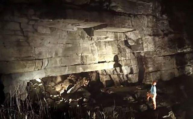 caverna construída por gigantes