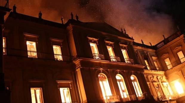 Rocha extraterrestre sobrevive ao incêndio do Museu Nacional do Brasil 2