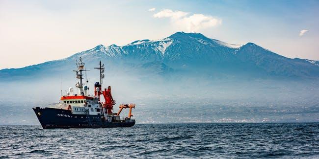 Monte Etna pode entrar  em colapso, criando tsunami gigantesco, afirmam geólogos Etna-collapse-tsunami