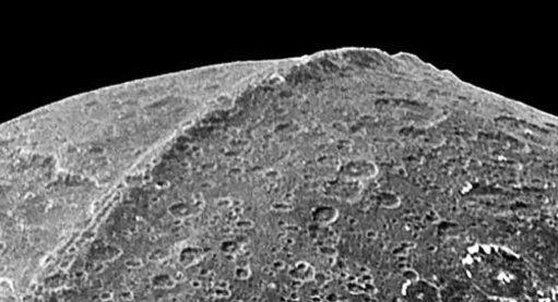 A mais misteriosa cordilheira do nosso sistema solar