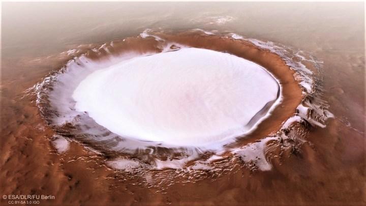 Sonda fotografa cratera de 80 km em Marte cheia de gelo