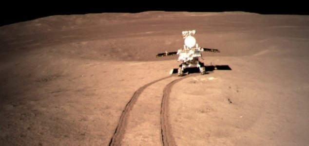 Jipe-sonda chinês começa a andar pela face oculta da Lua