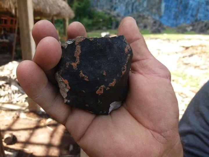 Meteoro explode no céu de Cuba, espalhando fragmentos sobre casas 1