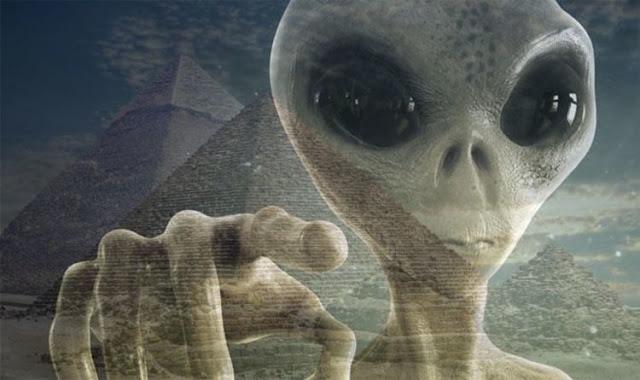 A mão alienígena secreta na nossa história
