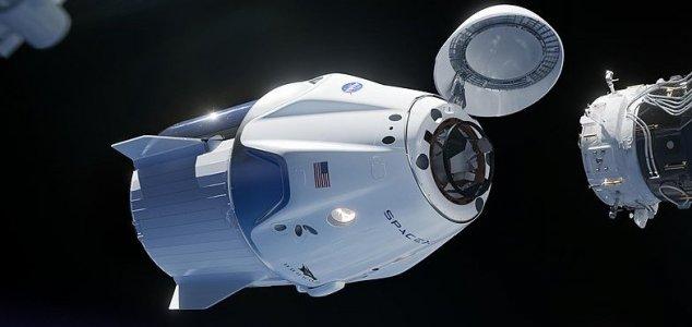 Nave da Space X é lançada em seu primeiro voo para a ISS
