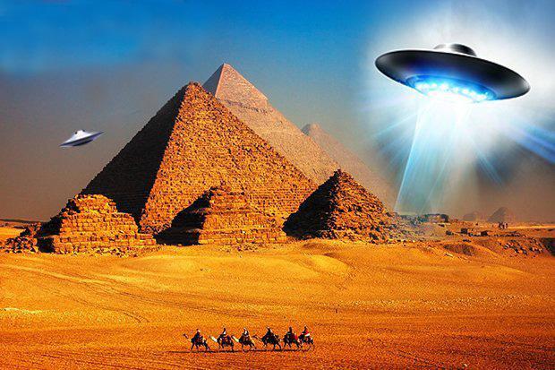 """A Grande Pirâmide foi construída por um """"deus extraterrestre"""""""