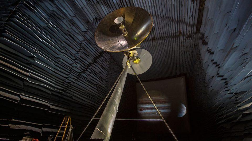 Fósseis em lua de Júpiter? Olho robótico da NASA enviará a resposta 1