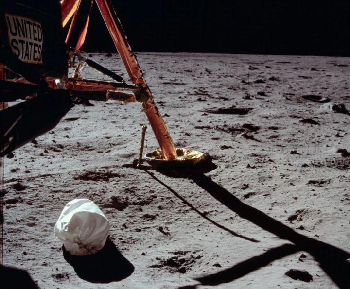 NASA quer colocar suas mãos em 96 sacos de cocô deixados na Lua