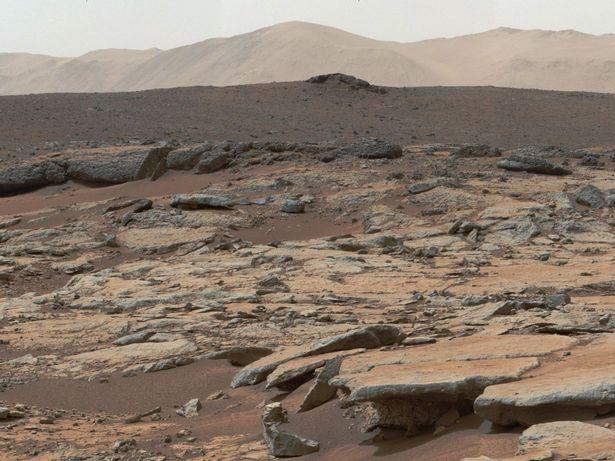 Homem pensa que foto da NASA mostra vida em Marte - mas não é bem o que você esperaria 1